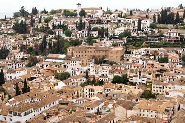 Guided tours in Granada visiting
